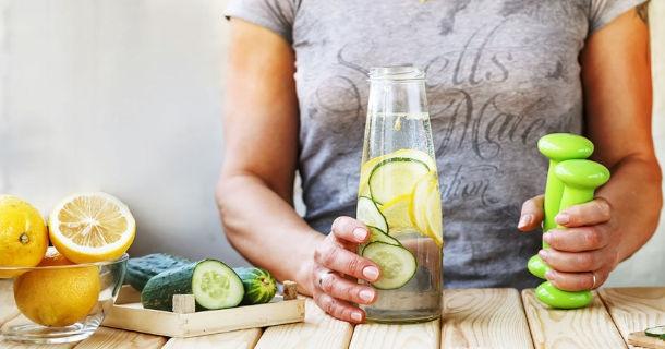 Jak oczyścić jelita z toksyn? Garść praktycznych porad
